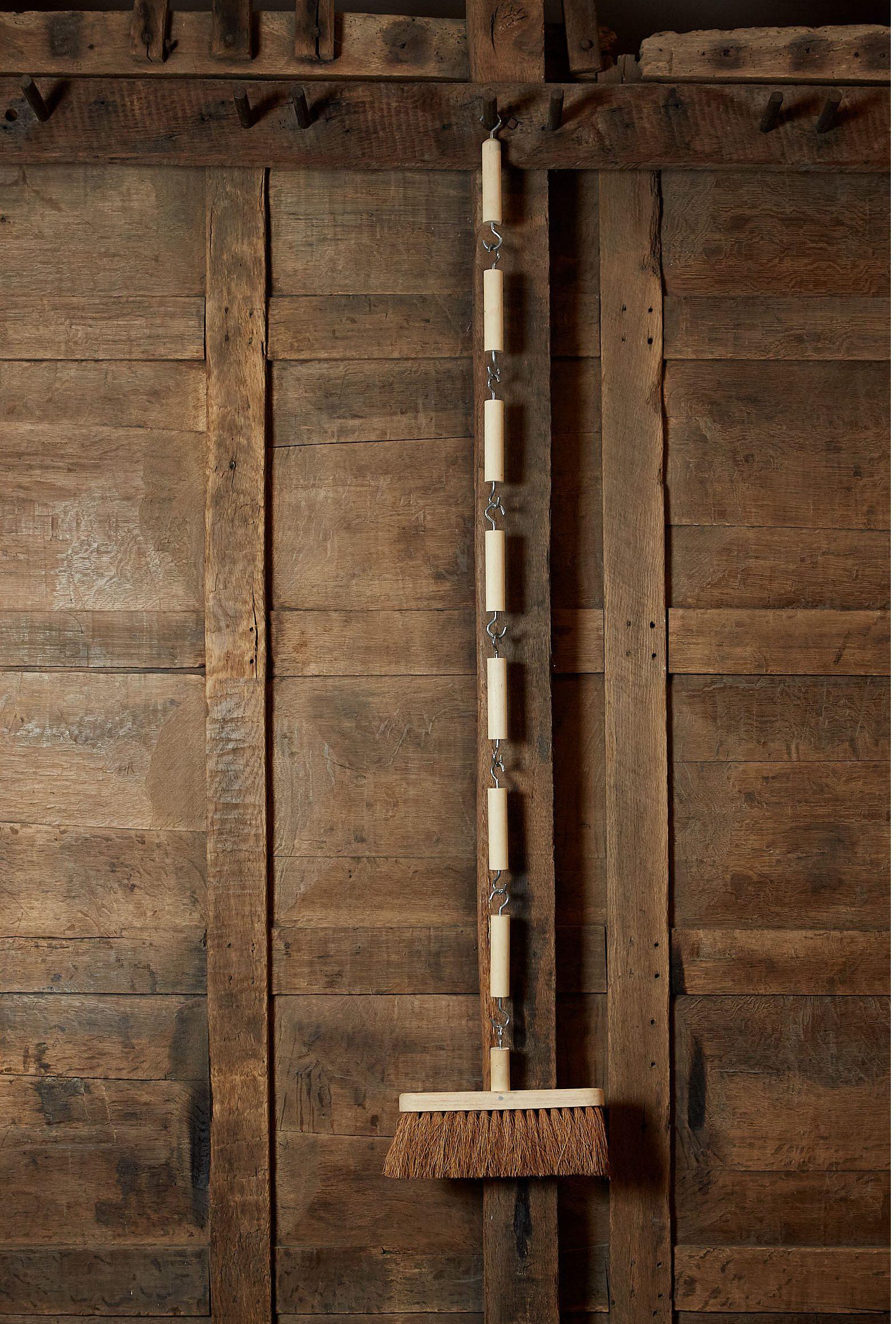 Broom-4894